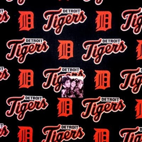 MLB Baseball Detroit Tigers Logos Navy Blue 18x29 Cotton Fabric
